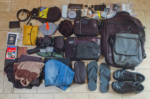 10 tips for travelling light luggage